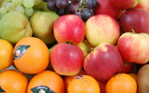 Streekvers-werkfruit-Vers fruit op het werk.